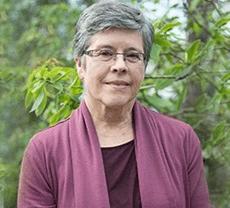 Pat Hartley, infirmière à la retraite