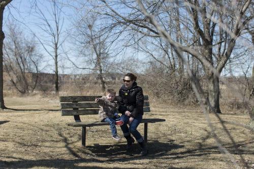Kelly Tugnett avec son fils, Jaxson