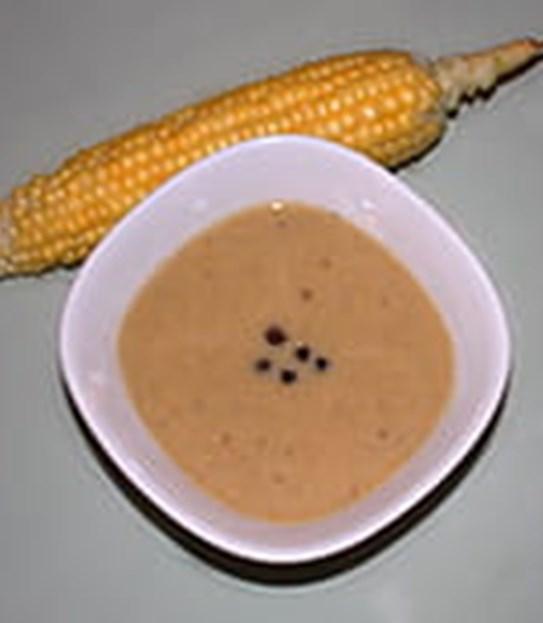 Bisque au maïs et aux grains de poivre