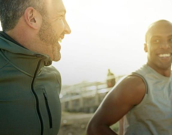 Deux hommes jogging